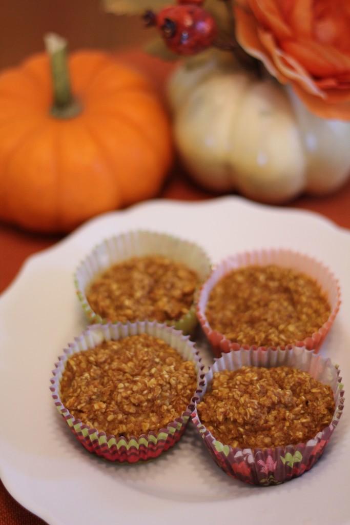 Pumpkin spice oatmeal cups
