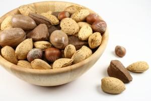 nuts-484262_1920