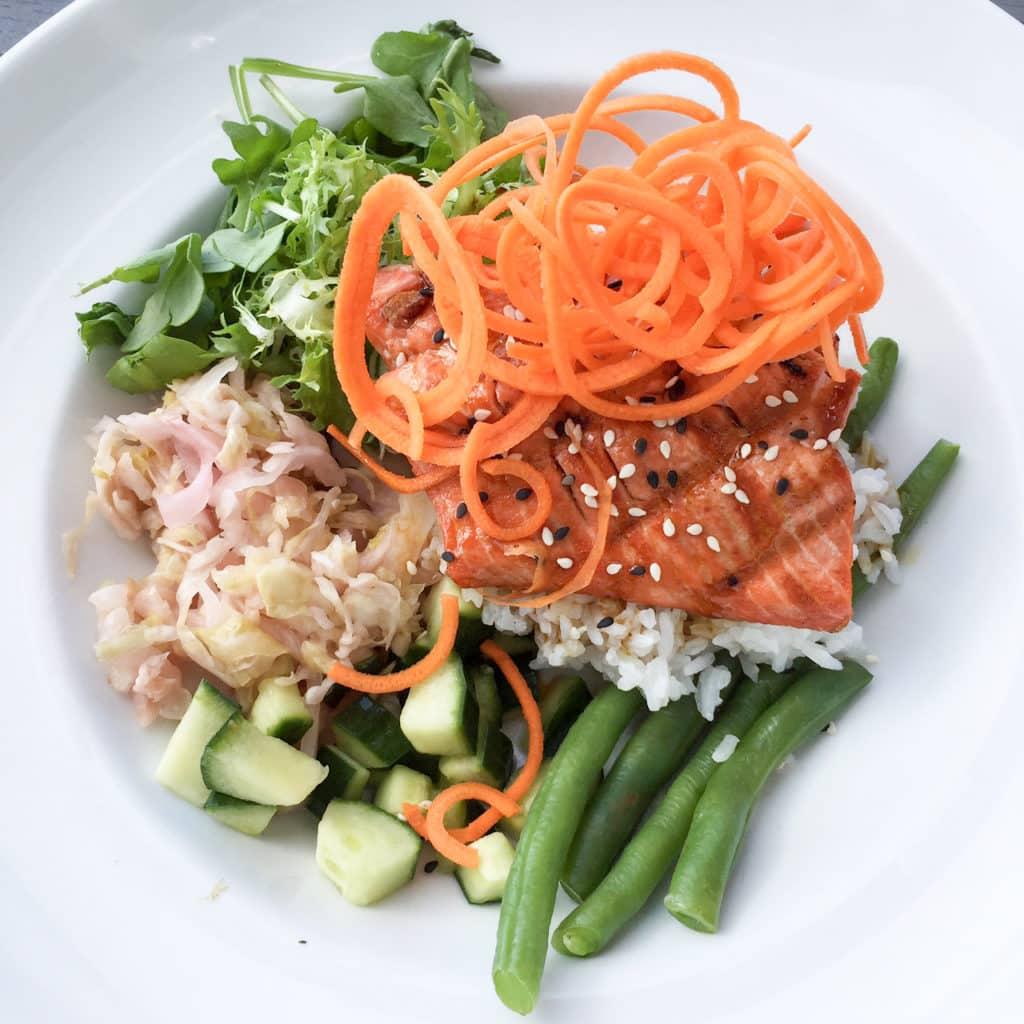 Delicious salmon bowl
